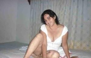amateur desi aunty stripping cloths naked image
