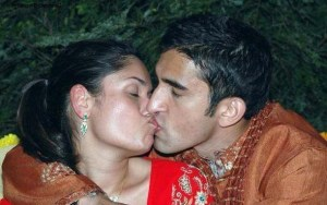 desi couple lip locking public place leaked photo