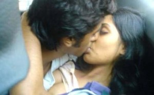 young desi couple stongly kissing nude pic