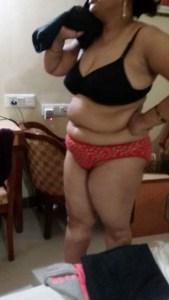 chubby south indian bhabhi naked porn pic