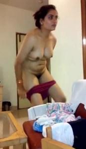 desi indian milf stripping panty