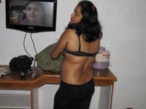 Desi Aunty sexy pic