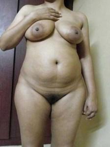 Desi aunty full nude big round boobs nude pic