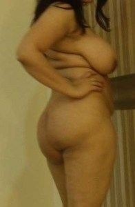 desi aunty hot chubby figure big fat ass pic