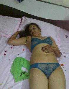 horny indian wife naked image
