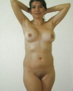 hot desi milf nude pic