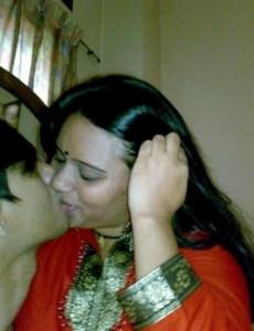 indian secretary smooching