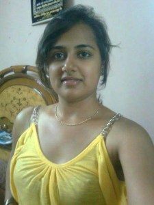 newly married desi indian amateur wife in bra