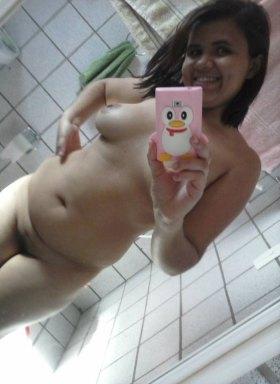 Chubby desi girl taking naked selfie