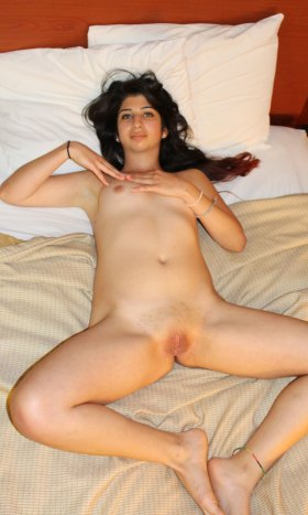 Full nude desi pink pussy