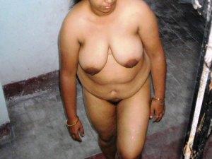 Naked aunty big boobs xxx