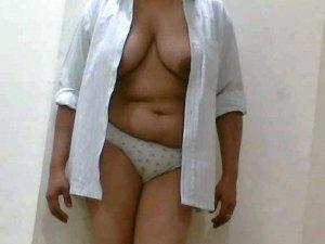 Nude aunty desi boobs pic