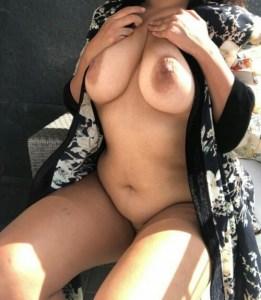 Hottie nude boobs pic