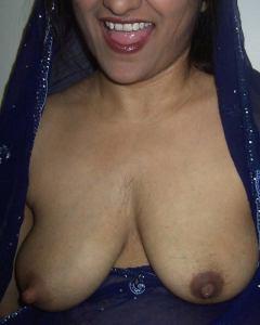 bhabhi dewsi nude niiple boobs