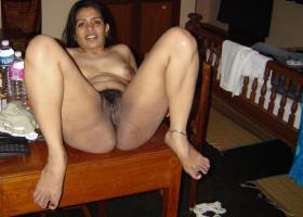 bhabhi wet cunt