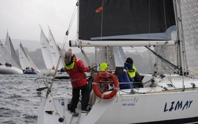 Buena previsión de viento para la tercera etapa del XX Trofeo de Navidad para cruceros este sábado en la Ría de Pontevedra