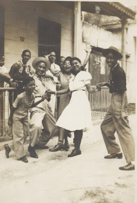 Luis Ya_ez,Angelito Diaz,Panchita Swing(with white dress), Mari_ta,Dandy Crawford, Dandy's nephew. 40s mod.