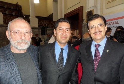 Dr. Filonov, Dr. Plata Rosas y Mtro. Bravo Padilla, rector de la UDG.