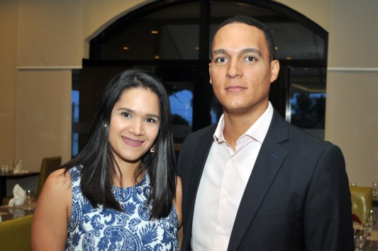 Cesar Nivar y Andrea Bravo