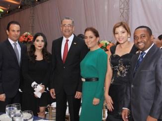 Alfredo Alonso, Kenia Lora, Simón Lizardo, Jacqueline Ortiz, Maricarmen Espinosa y René Polanco.