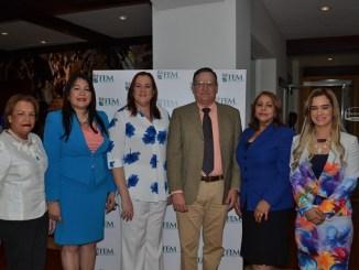 Nieves Colombani, Sulin Lantigua, Jeanette Camilo, Luis Menicucci, Luisa de Aquino y Elizabeth Rodríguez Pavón