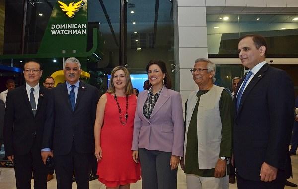 Valentino J. Tang, Miguel Vargas Maldonado, Lucile Houellemont de Gamundi, Margarita Cedeño de Fernandez, Yuno Umus y Jochy Vicente.