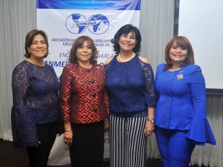 Raysa Mejía de Robles, Fior Ranúcoli, Dolly Nin y Rommy Grullón
