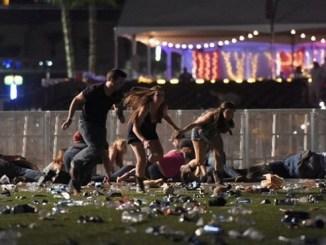 Los asistentes a un concierto al aire libre huyeron del lugar al escuchar disparos de un arma automática.