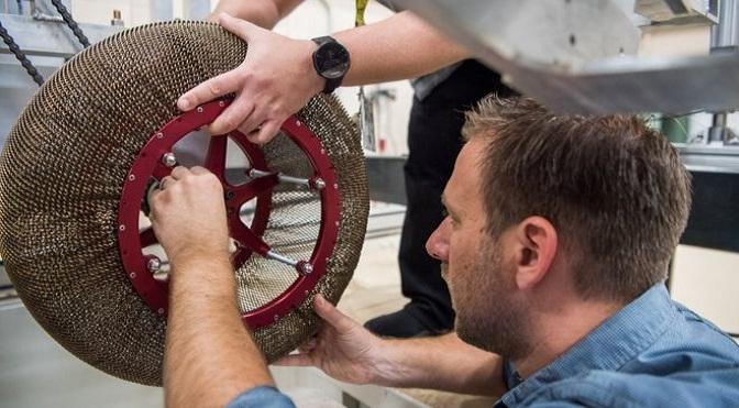 La Superelastic Tire fue creada a partir de la tecnología usada en los vehículos espaciales llevados a Marte.