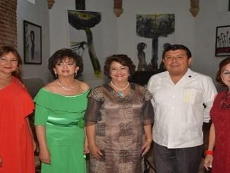 Victoria de Yepez, Verónica Sención, Arver Ojeda y María Cristina de Farías