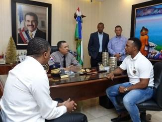 Reunión pelotero Jean Segura con Director PN