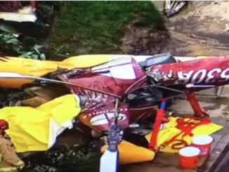 Un helicóptero Robinson-44 se estrelló contra una vivienda.