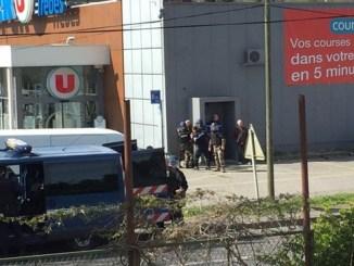 Fuentes de la fiscalía en París indicaron que fiscales antiterroristas están investigando el incidente
