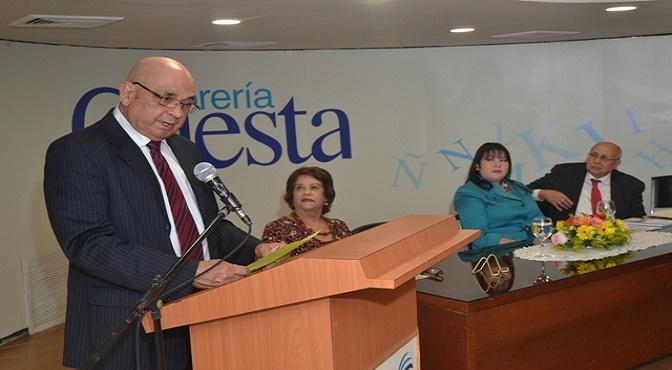 El empresario Frank Vasquez, autor del libro.