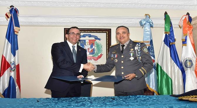 Andrés Navarro plantea que al igual que el pacto por la educación debe hacerse un pacto nacional por la seguridad ciudadana