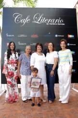Delores Sánchez, Rosa Francia Esquea, Verónica Sención, Lidia Martinez de Macarrulla, Lucia Amelia Cabral y el niño Lisandro Macarrulla.