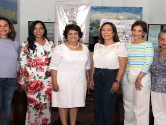 Rosanna Rivera, Delores Sánchez, Verónica Sención, Lidia Martinez de Macarrulla, Lucia Amelia Cabral y Rosa Francia Esquea.