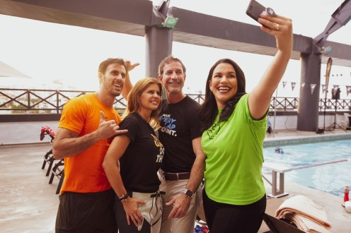 Tony, Noris, Anthony y Leslie, tomandose un selfie