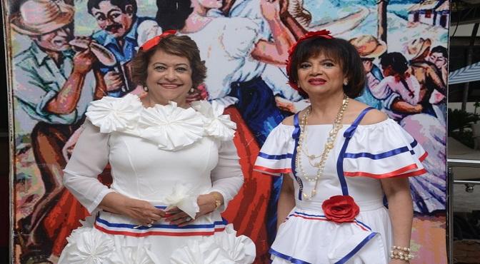Veronica Sención y Enma Valois