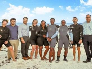 Equipo de Fundación Grupo Puntacana junto a socios durante la capacitación