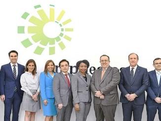 Magín Díaz junto a representantes de empresas que entraron en el plan piloto.