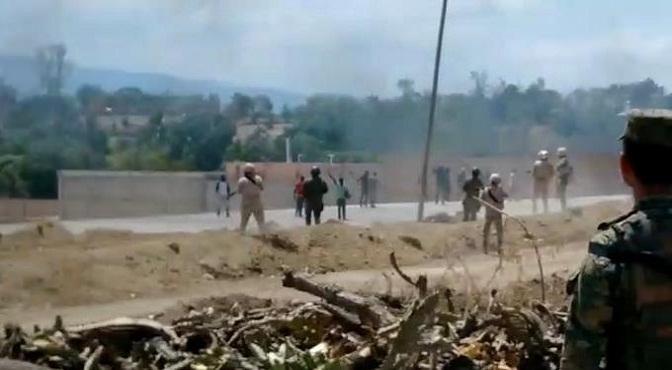 Vídeo.- Se registra enfrentamiento en la frontera entre haitianos y soldados dominicanos