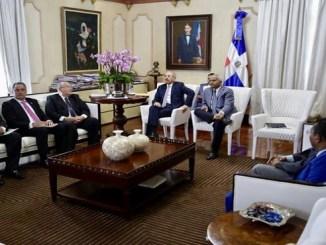 El presidente Medina evaluó la situación de sequía con un equipo en Palacio Nacional.