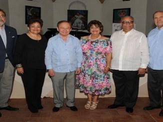 Riqui Noboa, Luisa Rivera de Noboa, Ellis Pérez, Verónica Sención, Checheo Rivera y Fabio Herrera.