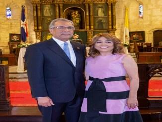 Simón Lizardo Mézquita y Jacqueline Ortiz de Lizardo