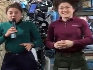 Las astronautas Jessica Meir y Christina Koch.