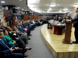 El pleno de la JCE con los partidos políticos en audiencia