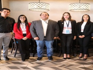 Desde la izquierda, Adrian Jiménez, Olga Diná, Héctor Grullón, Farah Cristina Castro, Shirley Aurich y Laura Vargas.