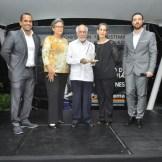 Reconocimiento a Don Papia Báez. Gabriel Aspas, Valentina Báez, Heidy Báez, Jose Rodriguez, Gary Olivo.