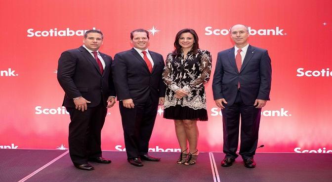 Paul Arzeno, Miguel Huller, Eselia Báez y Gonzalo Parral.